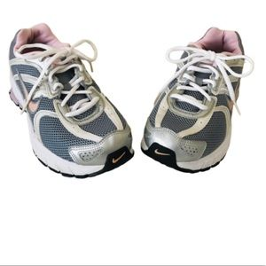 Nike Air Sneakers Size 8 Women's Shoes